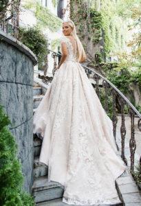 Свадебная мода Зима-2019 года, выбираем наряд в бутике Свадебной и вечерней моды Церемония в Махачкале.